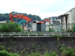 解体中の元N通運配送センター