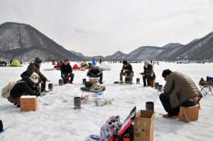 氷上釣り風景