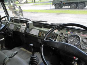 73式大型トラック内部