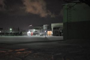 校庭から函館山を望む