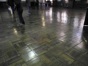 創建当時の床材で復元