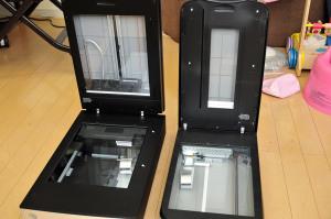 EPSON GT-X970とX750の透過原稿ユニット比較