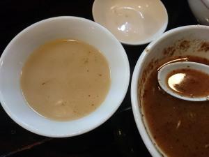 割りスープはとんこつ