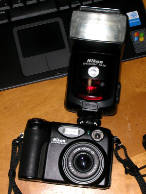 Nikon COOLPIX5400 + SB-28