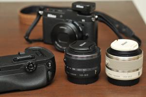 MB-D12と1 NIKKOR VR 10-30mm f/3.5-5.6 修理完了