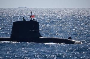 潜水艦「ずいりゅう?」