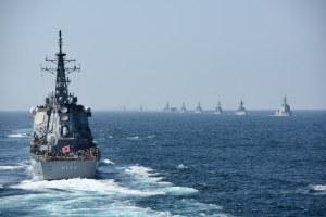 受閲艦艇が接近