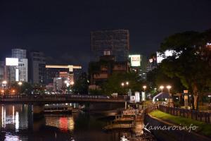 福岡の夜は賑やかです