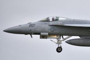 F/A-18E(207)