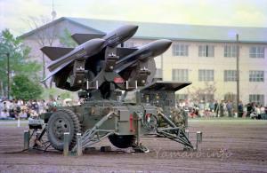 改良ホーク発射機にミサイル装填状態