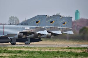 301SQのF-4EJ改