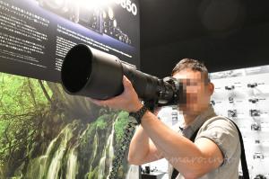 AF-S NIKKOR 180-400mm f/4E TC1.4 FL ED VRを手持ち