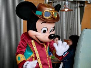 ミッキーマウスがお出迎え