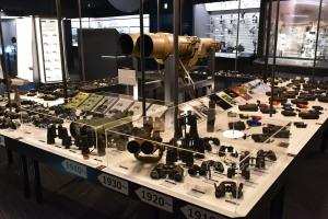 1910年代から現代までの製品を展示
