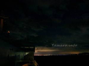 青森の街明かりが見えてきた