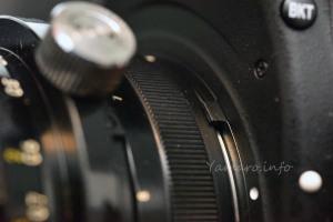 旧PC-Nikkor 35mm f/2.8を装着したときの露出計連動レバー干渉