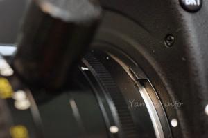 PC-Nikkor 35mm F2.8(New) は露出計連動レバーに干渉しない