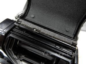 フィルム蓋は溝がないので貼りやすい