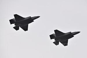 F-35A(69-8702/8704)