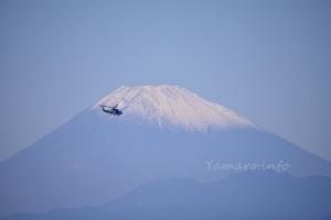 富士山とSH-60K
