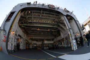 護衛艦「むらさめ」の格納庫