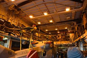 狭いけど高さは確保されている23型フリゲートの格納庫