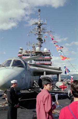 キティホークの飛行甲板