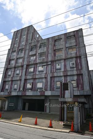 奇妙な外観のビル