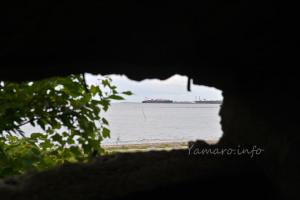 東京湾に浮かぶ船