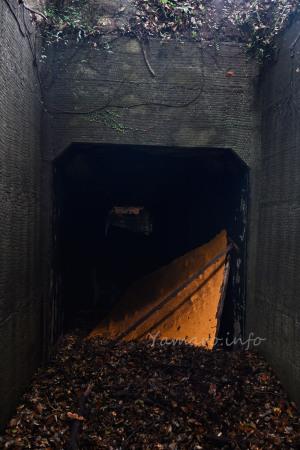元弾薬庫の入り口