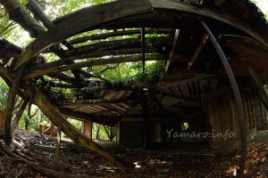 屋根が欠落した場所