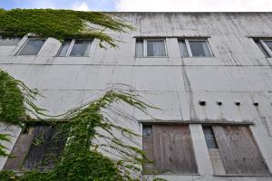 塞がれた1階の窓