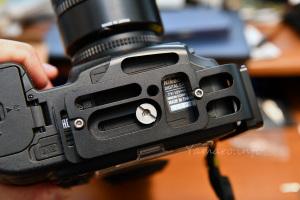 カメラ固定ネジの六角は精度が悪い