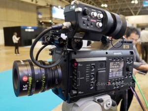 SHARPの8Kビデオカメラ