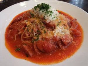 チョリソーのピリ辛トマトソースパスタ