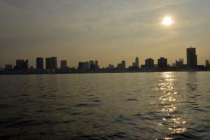 晴海埠頭から望む東京
