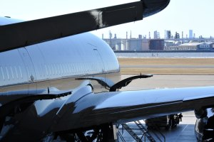 JALの機体整備工場から