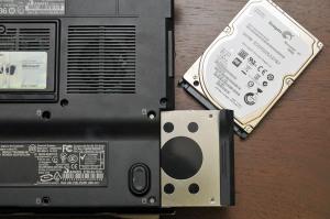 XPS M1210のHDDを750GBに改装しようとしたが…