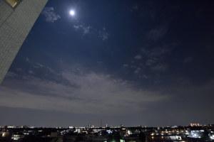 スーパームーンと東京の空